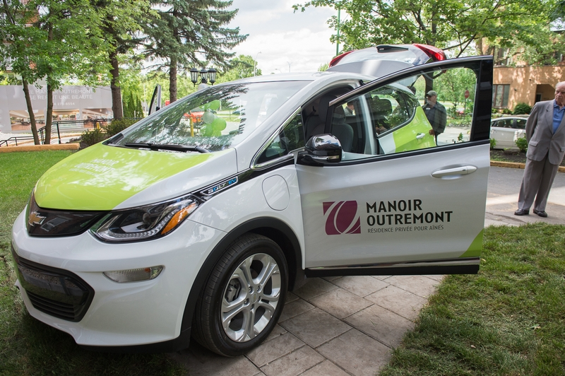 LAUNCH OF AN ELECTRIC CAR SERVICE FOR RESIDENTS OF MANOIR OUTREMONT