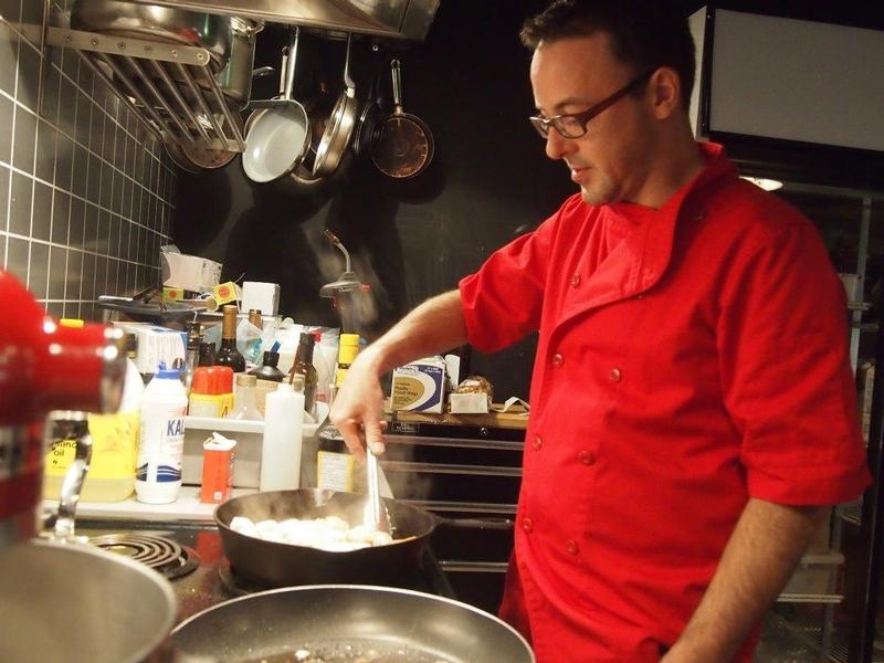 Le Chef Paul-Éric Boucher à l'oeuvre