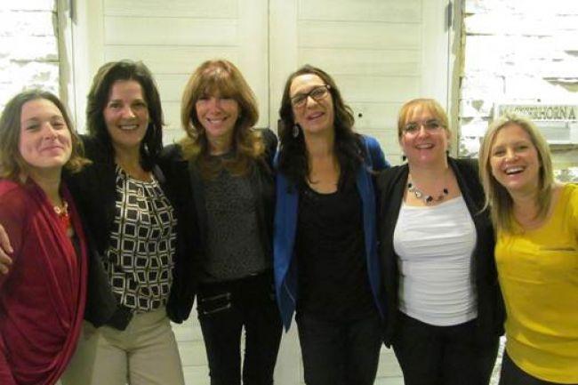 De gauche à droite: Evelyne Rousseau, responsable des loisirs à la Résidence du Verger, Linda Pitre, Directrice générale à la Résidence du Verger, Chantal Lacroix, animatrice et productrice de l'émission