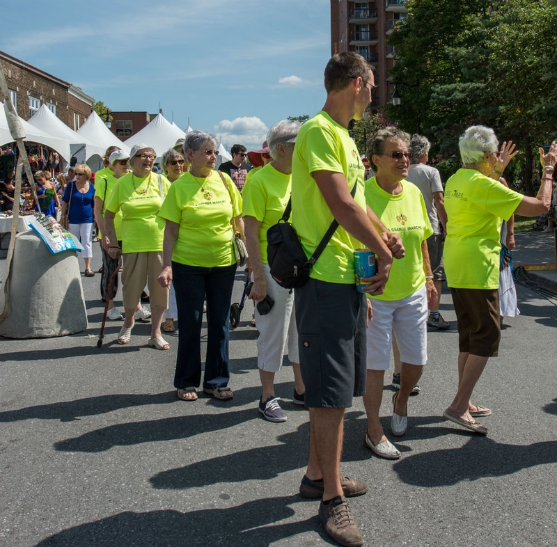 The Grand Healthy Aging Walk at the Saint-Lambert Feast with the jardins Intérieurs residents