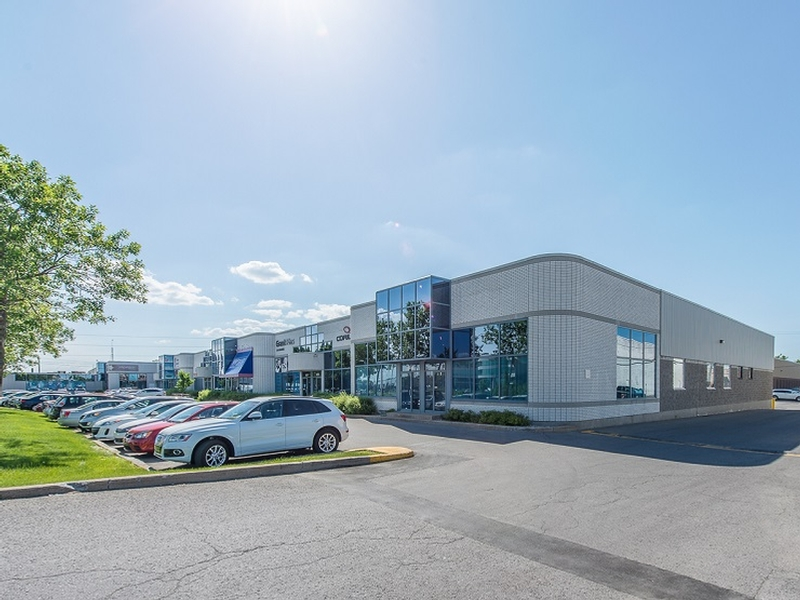 complexe 440 commercial center in laval